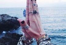 accessorize me. / by •|M C K E N N A|•