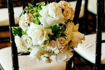 Wedding Flowers / Floral Centerpieces & Beyond... There are so many wonderful ways to incorporate flowers into your wedding!