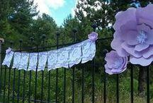 Allestimento compleanno bimba bianco e lilla / Allestimento in bianco e lilla con fiori in carta per il nono compleanno di una splendida bimba
