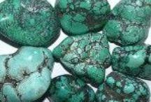 Tutorials: Mini Faux Minerals, Gems, etc / by Polly Morris