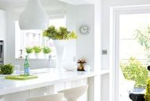 Colour of the week: White / Clean, bright, white kitchens!