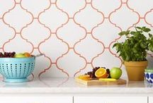 Style Trend: Coloured Grouting / White may be traditional, but it has its downsides, aging quickly and difficult to keep looking clean. Dark grouting and subway tiles has become a popular combination in the last few years, but why stop there? Brightly coloured grouting is on track to become the next big kitchen style trend!