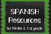Spanish Resources for K 1 / Recursos de lectoescritura en Espanol - Fichas para sonidos, silabas, vocales, y palabras de uso frecuente. Bilingual Education for Kindergarten - Resources for teaching reading and writing in Spanish.  / by Miss Campos
