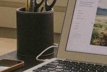Office organization/Produttività / Smart working, organizzazione del proprio ufficio in casa, postazione di lavoro, organizzazione dei file, archivio. Tutto ciò che riguarda la gestione della scrivania e del proprio lavoro.