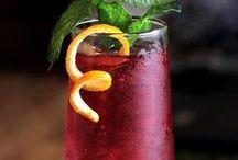Refreshing Cocktails / Enjoy one of these crisp cocktails!