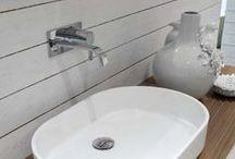 Bathroom / Sink / Faucet