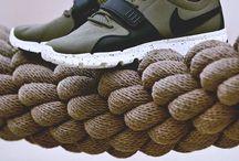 SneakySneakers
