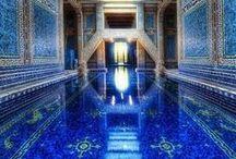 LAPIS-LAZULI / Son nom a une double origine, latine (lapis signifie pierre) et arabe (azul signifie bleu). Chez les Egyptiens, le lapis lazuli était apprécié par les pharaons. Il était taillé en scarabées et en amulettes en forme d'oeil. Retrouvez nos bijoux Lapis-lazuli sur www.artipol.com #inspiration #blue #lapislazuli  #indigo