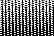 """BLACK & WHITE / Toujours chic et à la mode en """"Noir&Blanc"""" Retrouvez nous bijoux avec onyx noir et pierre de lune sur www.artipol.com #inspiration #bijoux #jewels #noir #black #white #blanc"""