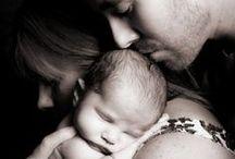 Baby world / Bema è attenta al meraviglioso mondo dei bambini. I nostri laboratori di ricerca hanno studiato linee di prodotti che proteggono e rispettano la sensibilità della pelle di un neonato. Tutte le materie prime provengono da agricoltura biologica.