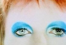 David Bowie / Ch-ch-changed his career so many times, knowing where the wind was blowing / by Taluni