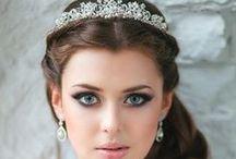 wedding hair accessories, bridal hair pieces / wedding hair accessories, bridal hair pieces, wedding veils, birdcage veils, bridal headbands, floral wreath for brides, wedding hair jewelry