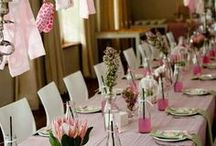 Baby Shower Ideas for Girls / Baby shower ideas for girls including fun decor, stationery, games, baby shower printables and more!