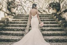 Wedding + Engagement Photos at Vizcaya / Need ideas for your engagement and wedding photoshoot? Check out these shots by talented Miami photographers.