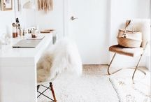 Office | HOME / The loveliest home office spaces! Home office inspiration, home office ideas, easy home office ideas, diy home office, glam home offices, bright home offices, white home offices, modern home offices, simple home offices, home office ideas on a budget, quick home office updates