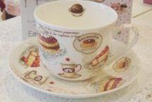 Colectia Cup Cakes Easy Life / Colectia Cup Cakes Easy Life este formata din portelan fin pictat cu prajiturele gustoase. #cupcakes #shabbychic #cookies