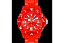 watch{{{(>_<)}}}