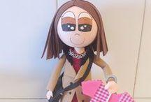 Fofuchas / Las fofuchas  son unas muñecas originarias de Brasil, hechas principalmente de goma eva y bolas de porexpan de diferentes diámetros. Únicas, personalizadas y sobretodo...preciosas! Aquí están las fofuchas de Mari QKdes