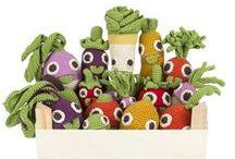 ✣ MyuM rattles harvest ✣ / MyuM ! Tous les jouets sont dans la Nature ! MyuM des peluches naturelles et végétales pour apprendre à aimer les fruits et les légumes. MyuM des peluches fait main au crochet mignonnes et éducatives. MyuM des peluches en crochet en forme de fruits et légumes. MyuM des peluches ludiques et responsables. Are you radish ? www.myum.fr