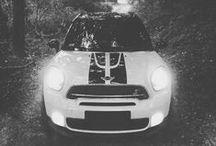 MINI One vs Countryman S Cooper Works / Auta, których sylwetki są prezentowane w tekstach poświęconych estetyce. / Cars which profiles are presented in articles about aesthetics.