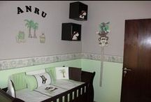 Jungle animals nursery / In the jungle, the might jungle, the lion sleeps tonight! Keep your little one intrigued by this fascinating and colourful nursery.