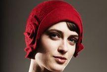 шляпки / шляпки, шапки  и  проч. головные  уборы.