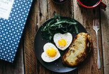 """Genießen einfach gemacht / Yummy..nicht nur Liebe geht durch den Magen sondern auch auf unser eigenes Wohlbefinden hat die Ernährung einen maßgeblichen Einfluss. Und kochen kann nicht nur Spaß machen sondern hilft auch dabei mal den Kopf frei zu kriegen und sich """"kreativ"""" auszutoben. Dafür sammeln wir ein Küchenhelfer und alles rund ums Kochen. Natürlich auch super als GeschenkIDEEN für Genießer :)"""