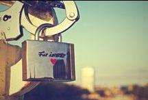 Romantische Geschenke / Bei romantischen Geschenken ist der Preis egal. Es geht vielmehr um den Tiefgang. Es geht darum einen Moment der Zweisamkeit zu schaffen und diesen auch gemeinsam zu genießen. auf diesem Board tragen wir unsere GeschenkIDEEN zum Thema Romantik, Liebe und Beziehung zusammen. Viel Spaß beim Inspirieren :)