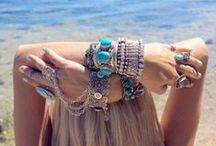 Bohemian Style / Boho style, bohemian fashion inspiration. Clothing, fashion, jewellery and hairstyles.