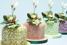 Amazing cupcakes and minicakes ! / by Betty BERGER