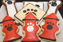Doggon' Cakes & Stuff / The cutest little dog themed cakes and treats around.