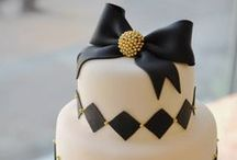 BLACK AND WHITE BASE BEAUTIFUL CAKES ! / by Betty BERGER