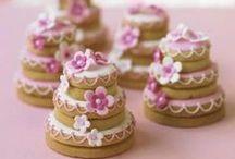 Confirmation Cakes and Snacks // Konfirmasjon Kaker og Snacks / Her finner du tips og ideer til kaker og snack til konfirmasjonen. For mer informasjon om hvordan planlegge en konfirmasjon, se www.planlegg.no.