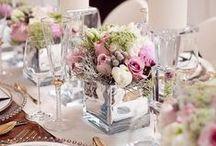Wedding Ideas // Bryllup ideer / Håper du igjennom denne tavlen finner inspirasjon til bryllupet. Trenger du hjelp med å planlegge bryllupet finner du huskelister, budsjett, sparetips, og mye mer på www.planlegg.no. Håper du og din partner får en flott bryllupsfeiring! :)