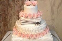 Wedding Cakes and Snacks // Bryllup kaker og snacks / Her finner du tips og ideer til kaker og snack til bryllupet. For mer informasjon om hvordan planlegge et bryllup, se www.planlegg.no.
