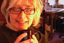 ABOUT / Rose Gauss the illustrator and fun little gray haired gramma.