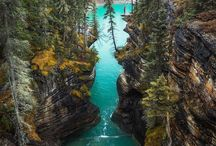 Travel: Canada / Bucket list adventure. Canada is sooooo beautiful & I really want to visit one day. This is my inspiration to get there.