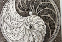 Drawing: Mandalas, Zentangle & Doodling / Black & white to a rainbow of colours it's art that is fun & beautiful.
