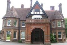 Wardown Park Museum - Luton / Old Bedford Rd, Luton, England, LU2 7HA. Wardown Park Museum is situated in the beautiful landscaped Wardown Park, on the outskirts of Luton town centre. The museum offers a range of displays including the Bedfordshire and Hertfordshire Regiment Gallery and the popular Luton Life Gallery. The museum also holds around four temporary exhibitions a year on different subjects. Wardown Park Museum also holds events and activities for all ages and interests throughout the year