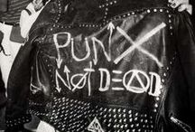 Punk/goth/psychobilly culture and pin ups