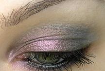Make-Up & Hair / by Laura Ledford