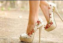 Shoes / by Aliesha Jordaan