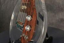 AMPEG Bass