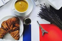 Flat Lays / A collection of my favourite things from a Birdseye View.