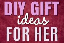 DIY Gifts For Her / DIY Gifts For Her. Easy Gift Ideas for Mom, Sister, girlfriend, grandma, BFF, wife. Cute Christmas presents, do it yourself birthday gifts, mason jar ideas and cheap dollar store crafts