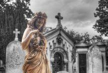 Père Lachaise / Père Lachaise Cemetery is the largest cemetery in the city of Paris and the most visited cemetery in the world. #Paris #PARISCityVISION #VisitParis