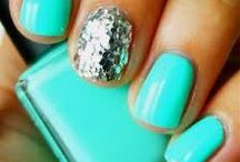 Feature nail