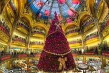 Christmas in Paris / Come see Paris dressed in sparkling light and discover monuments of Paris illuminated with Christmas decorations.