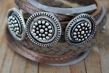 Bracelets ★