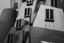 Rakennuksia / Ajassamme